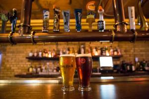 Roxy_bar_draft_beers